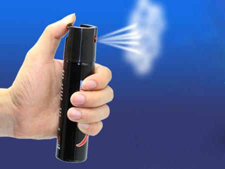 催泪喷雾器